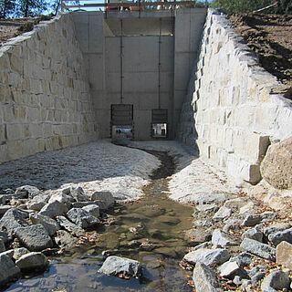 Stützmauer Hochwasserschutz